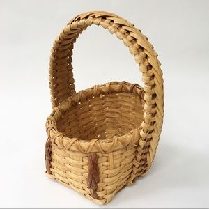 Two-Tone Braid Detail Basket with Handle